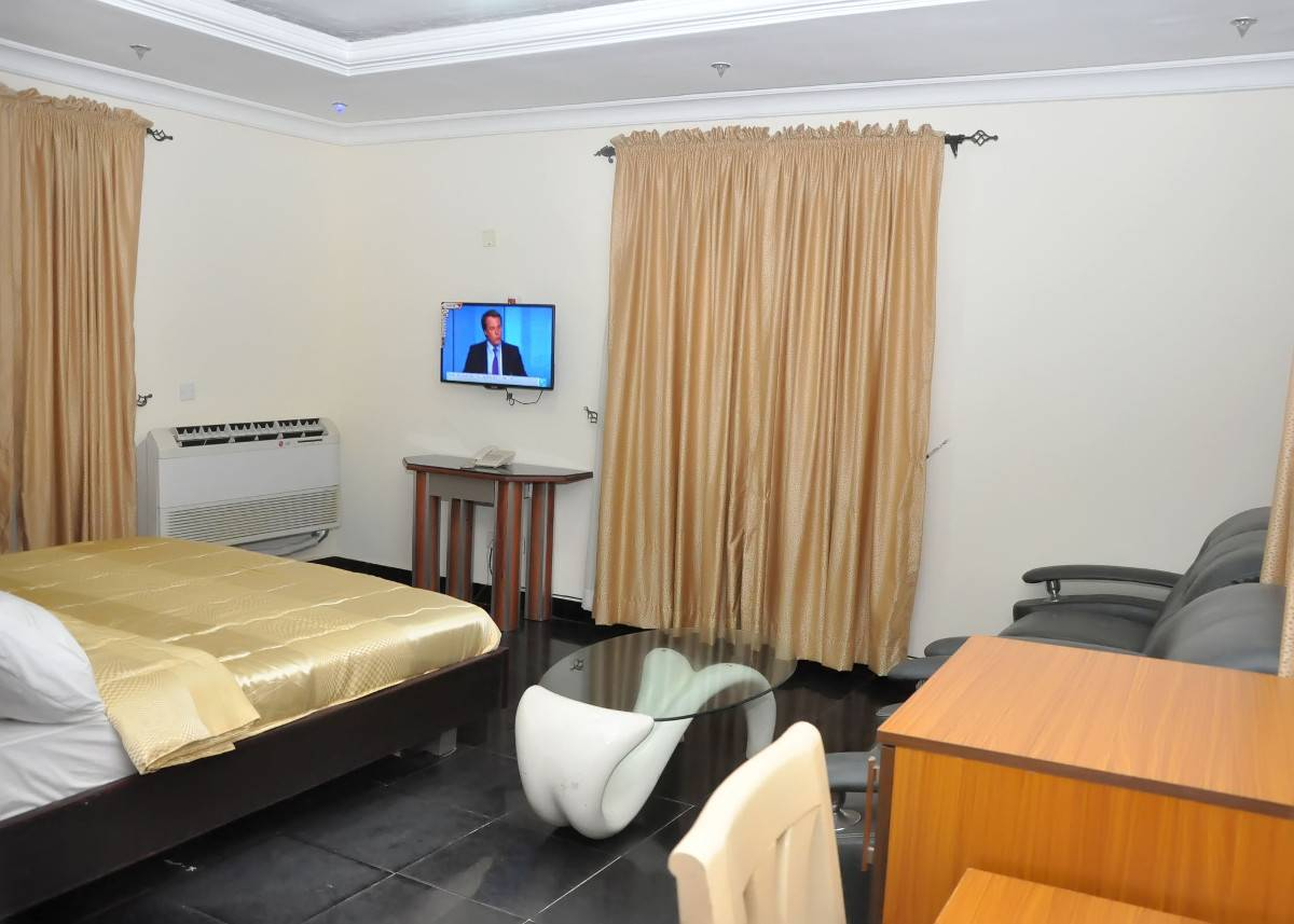D'luxx Villa And Suites