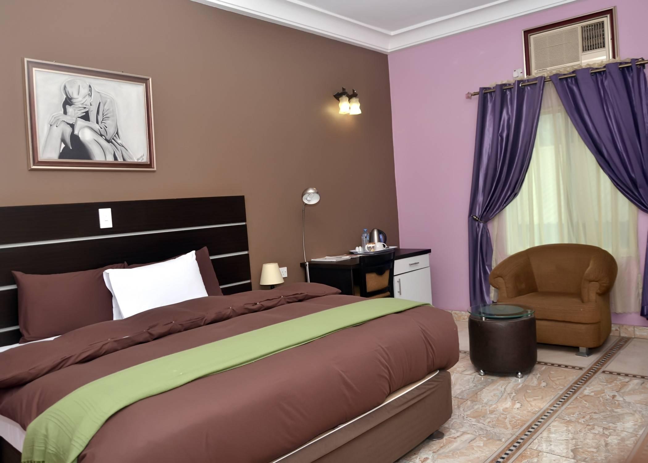 Coronia Hotel