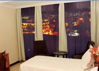 La Posh Hotel Picture