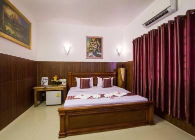 Botoum Hotel Picture