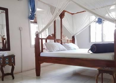 Riverman Hotel Picture