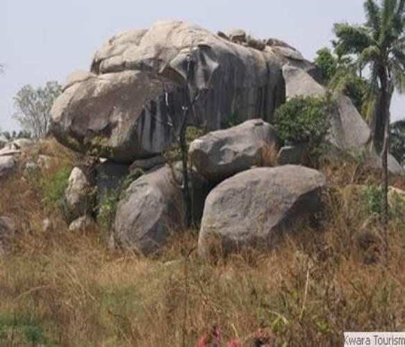 Imoleboja Rock shelter1