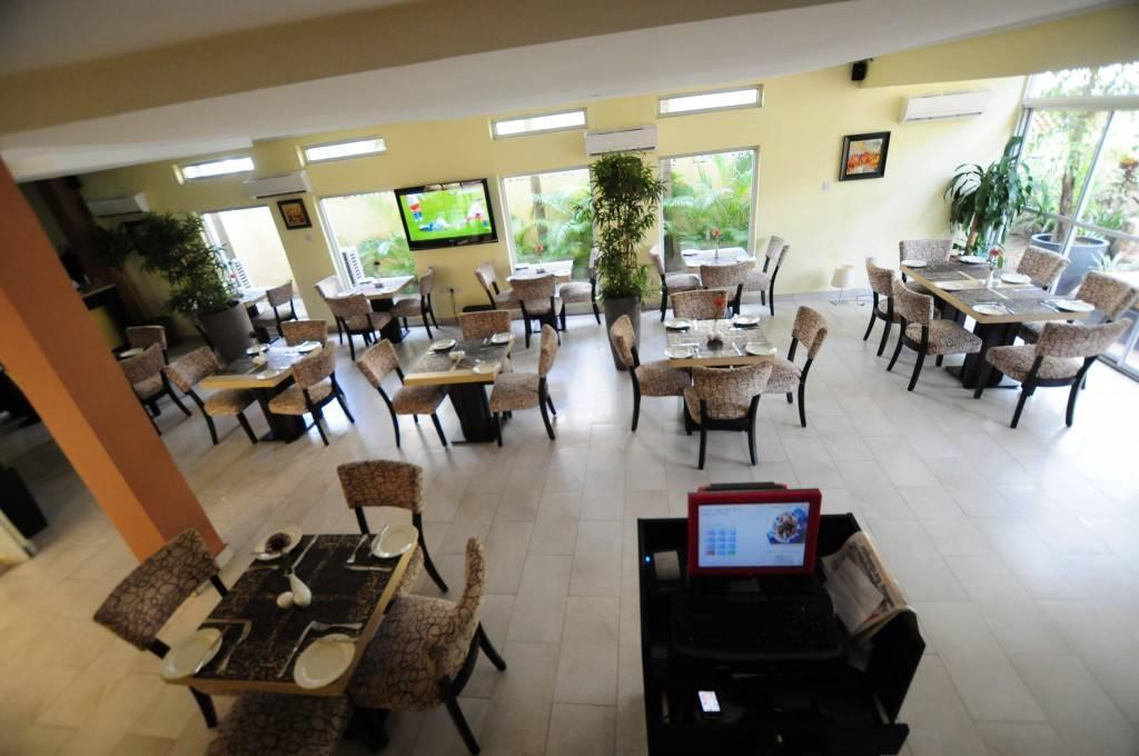 Browns Café