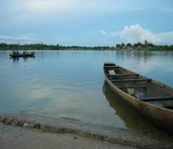 Lake Alau