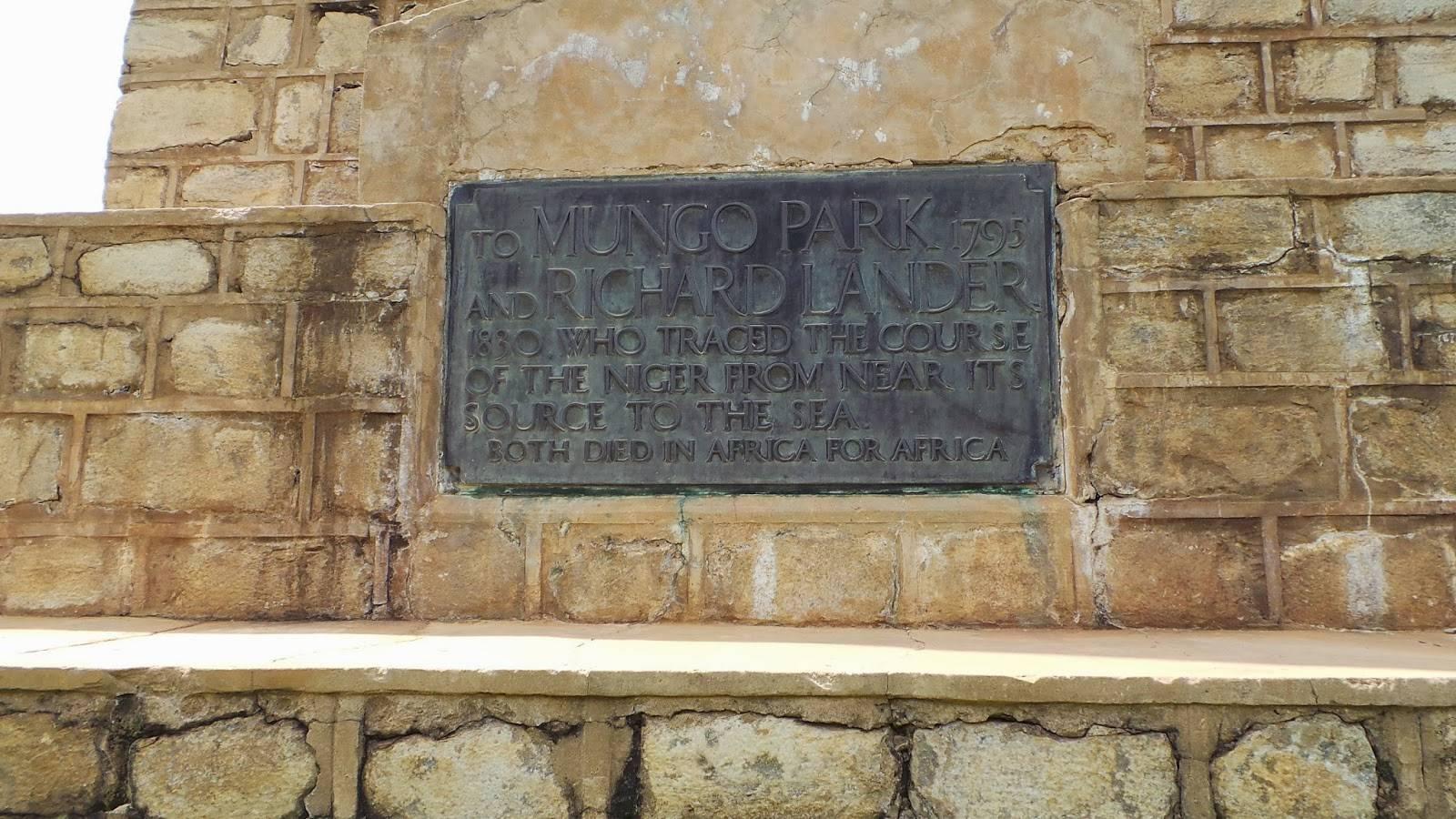 Mungo Park Monument3