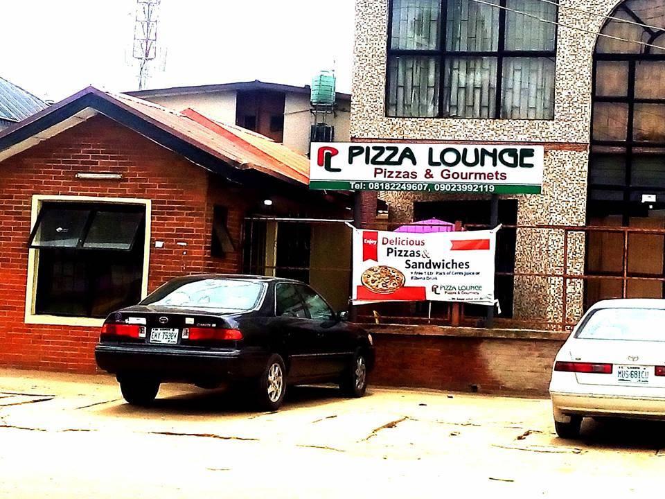 Pizza Lounge, Ajao