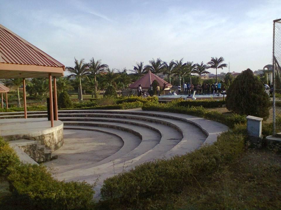Solomon Lar Amusement Park
